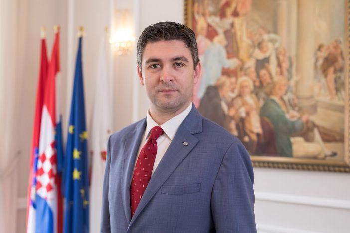 Čestitka stolnotenisaču Mihu Simoviću