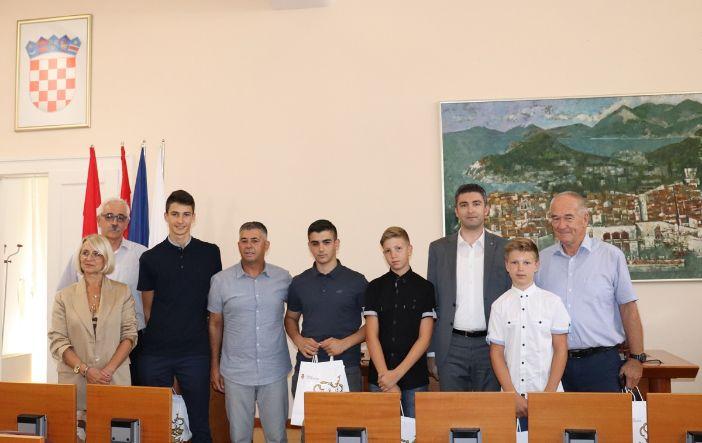 boćari osvojili 6 medalja na prvenstvu Hrvatske za juniore u Lovranu
