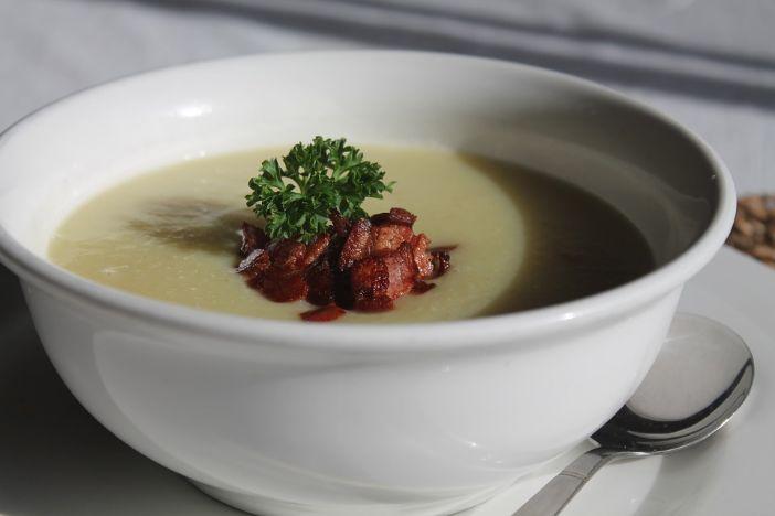 Jednostavna krem juha od patata s pancetom