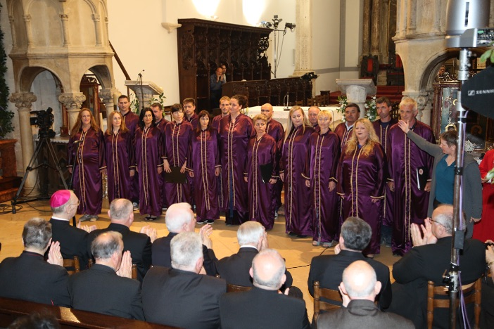 Nastup zbora Stella Maris s otoka Hvara