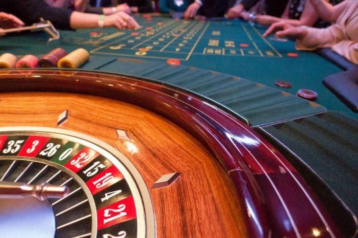Kosovo želi zabraniti kockanje nakon pljačke i smrti dvoje zaposlenika kasina