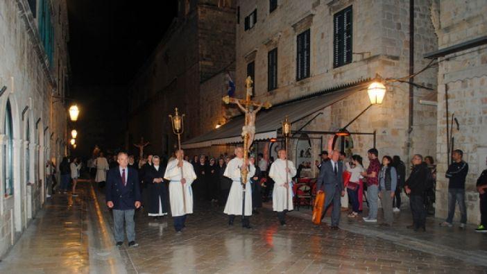 Na Veliki petak u katedrali propovijedao katedralni župnik don Stanko Lasić