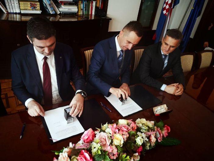 Potpisan ugovor o kupnji dionica UTD Raguse