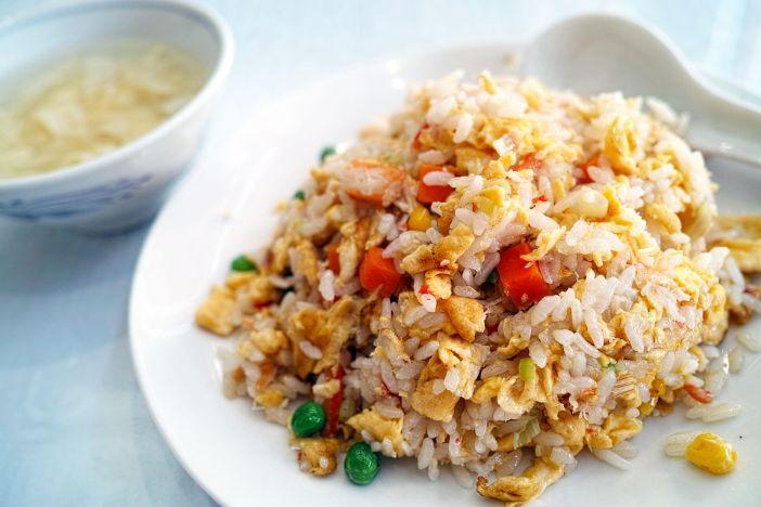 rizi s jajima i povrćem