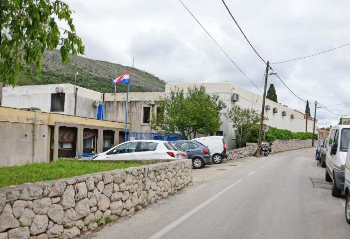 Mladić iz BiH uhićen s 4,5 kila marihuane, pomagala mu Dubrovkinja