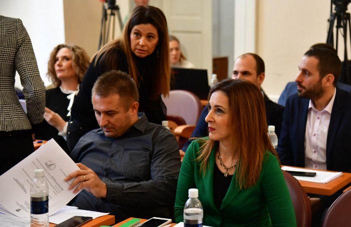 Dolores Lujić i Maro Kristić ponovno tvrde kako rješenje za bankomate postoji