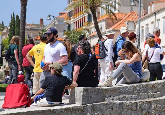 Prihodi od stranih turista u prvoj polovici 2019. rasli za 5 posto
